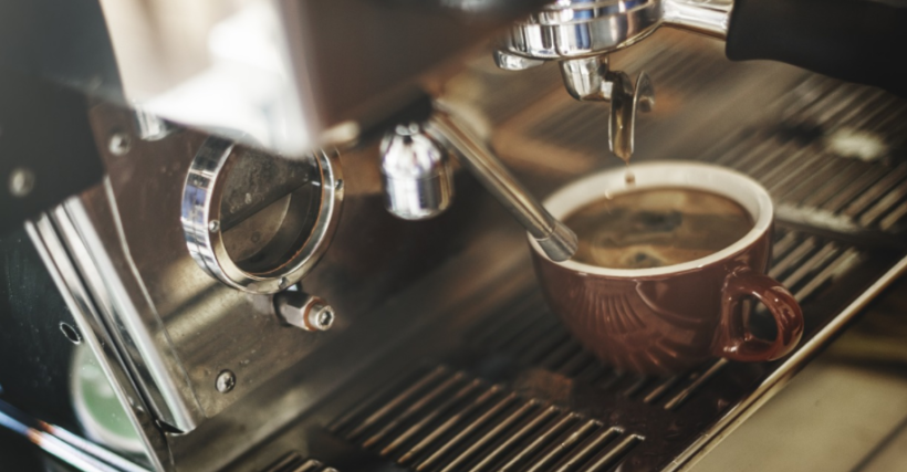 Les machines à café sont en promotion chez Darty, Boulanger et la Fnac